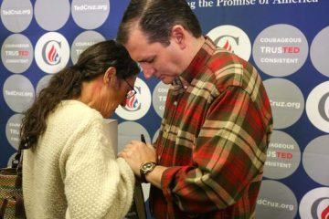 Ted Cruz in prayer